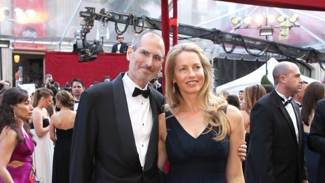 Feu Steve Jobs accompagné de sa femme Laurene Powell