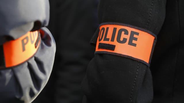Brassards de policiers (photo d'illustration)
