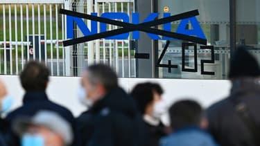 Rassemblement de salariés de Nokia contre les suppressions d'emploi, le 19 octobtre 2020, sur le site de Lannion