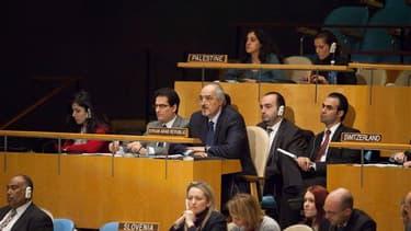 L'Assemblée générale de l'Onu a adopté jeudi la résolution sur la Syrie qui appuie le plan de la Ligue arabe prévoyant la mise à l'écart du président Bachar al Assad. /Photo prise le 16 février 2012/REUTERS/Andrew Kelly