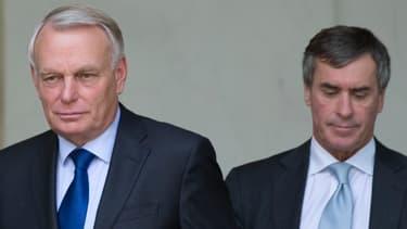 Jean-Marc Ayrault, ici accompagné par Jérome Cahuzac, s'est exprimé après l'adoption du budget 2013 par le Conseil des ministres