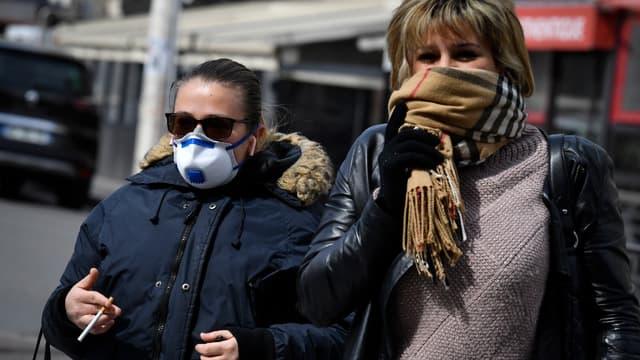 Le port de masque pourrait devenir obligatoire.