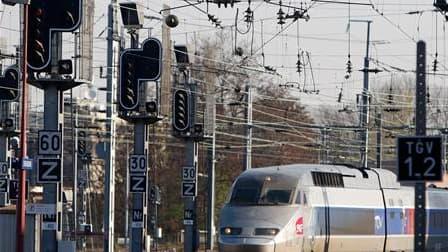 Le ministre du Travail Eric Woerth a déclaré que la réforme des retraites en France qui va reporter l'âge légal de la retraite, actuellement à 60 ans, ne concernera pas les salariés des régimes spéciaux, notamment de la SNCF. /Photo prise le 7 avril 2010/
