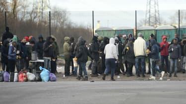 Des migrants à Calais le 2 février 2018