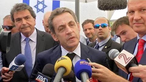 Nicolas Sarkozy en Israël: un ancien chef de l'Etat en campagne?
