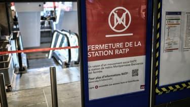 Une station de métro fermée (photo d'illustration)