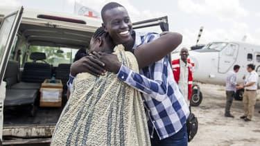 Emmanuel Samuel, 17 ans, retrouve sa mère Georgina Pagan à Aburoc, au Sud-Soudan, le 5 juin 2017