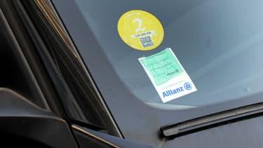 1,4 million de vignettes anti-pollution Crit'air comme celle-ci ont déjà été commandées, selon la ministre de l'Environnement, Ségolène Royal.