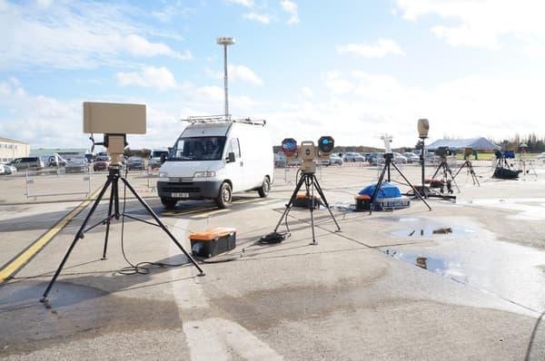 Des tourelles pour détecter et identifier des drones.