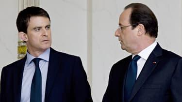 Manuel Valls (à droite de l'image) et François Hollande.