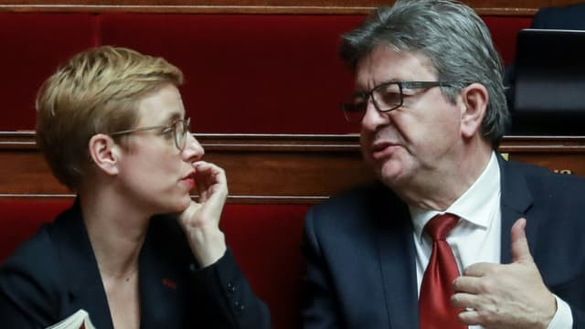 Clémentine Autain et Jean-Luc Mélenchon lors des questions au gouvernement à l'Assemblée nationale le 26 février 2020 à Paris
