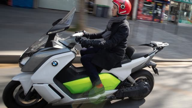 Pour piloter un scooter électrique quelques règles sont à observer