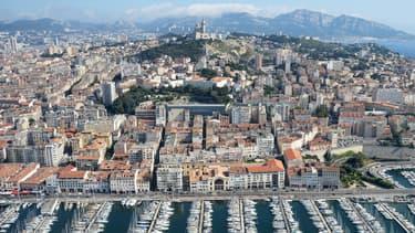 Une vue aérienne de Marseille.