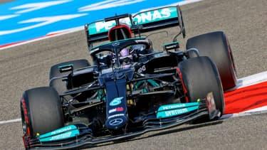 Image d'illustration - Le septuble champion du monde de Formule 1, le Britannique Lewis Hamilton, au volant de sa Mercedes, lors de la 1ère séance d'essais libres du Grand Prix de Bahreïn, le 26 mars 2021 sur le circuit international de Sakhir