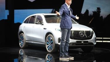 Le Mercedes EQC est le 1er SUV 100% électrique de Daimler... qui ambitionne de faire tomber ses émissions de CO2 à zéro en 2040.