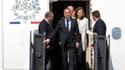 François Hollande à son arrivée sur le sol américain, à Chantilly, en Virginie. Le président français a souligné la convergence des intérêts entre les Etats-Unis et la France et a plaidé en faveur d'une politique de relance de la croissance lors de sa vis