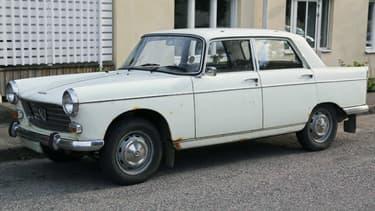 Une Peugeot 404 des années 70 a été vendue seulement 55,55 euros dans le Morbihan.