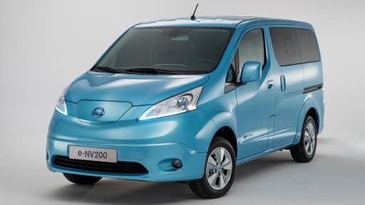 La e-NV2000 devrait être disponible en Europe, puis en octobre au Japon.