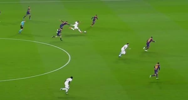 Piqué attrape Mbappé