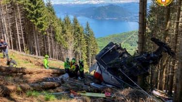 Un téléphérique dans lequel se trouvaient 11 personnes a fait une chute à Stresa, dans le nord de l'Italie, le 23 mai 2021