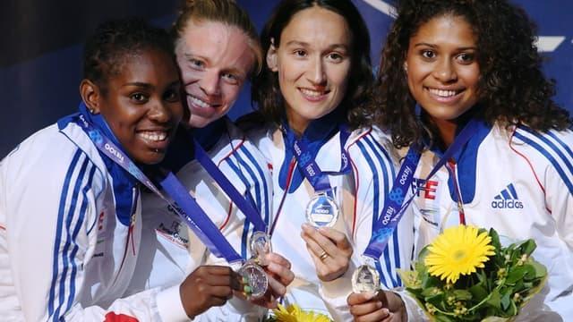Les Françaises médaillées d'argent en fleuret par équipes