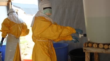 Un centre de traitement Ebola à Lokolia en RDC, en octobre 2014.