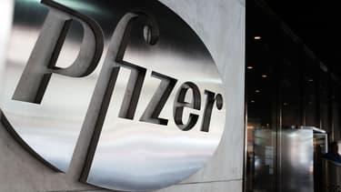Pfizer tente de s'implanter dans un pays à la fiscalité plus faible qu'aux États-Unis.