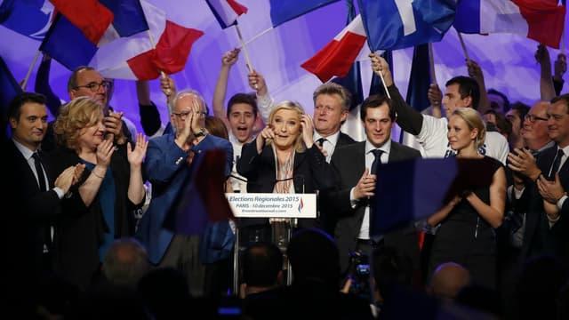 Marine Le Pen lors d'un discours à Paris le 10 décembre 2015.