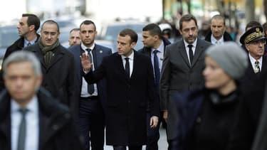 Emmanuel Macron à Paris, dimanche.