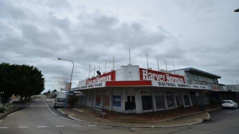 Rues désertes à Ayr, à l'approche du cyclone Debbie, le 28 mars 2017 dans le nord du Queensland, en Australie