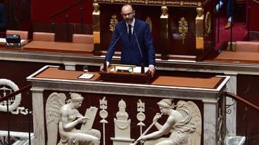 """Le Premier ministre veut """"mettre la paquet"""" sur le numérique avec le très haut débit partout en France et la création d'un compte citoyen en ligne."""