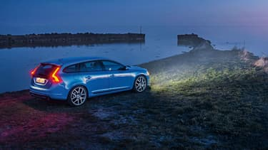 Polestar, le département sport de Volvo, ressort une nouvelle V60 (ainsi qu'une S60) estampillée de son badge. Un nouveau modèle plus puissant et toujours aussi élégant.