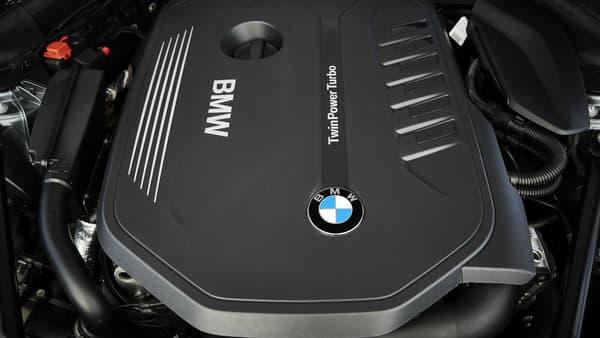 La Série 5 dispose de nouvelles motorisations essence, dont le six-cylindres  3 litres de 340 chevaux de notre modèle d'essai.