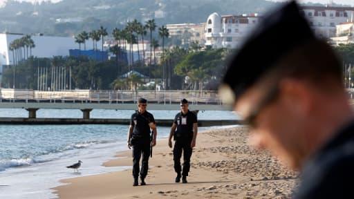 Deux corps sans vie ont été découverts en pleine journée sur une plage de Cannes, ici en novembre 2011.