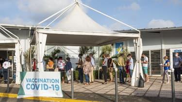 Un centre de vaccination à Cayenne le 30 mars 2021.