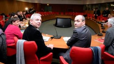 Le leader de la CGT, Thierry Lepaon, à gauche, et son homologue de la CFDT, Laurent Berger, à droite, en novembre dernier