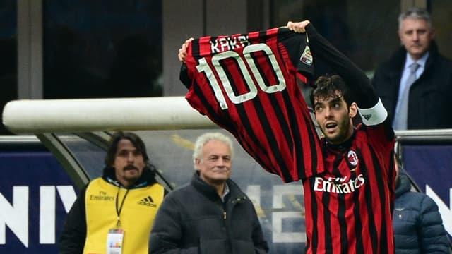 Kaka fête son 100e but sou sle maillot de lAC Milan
