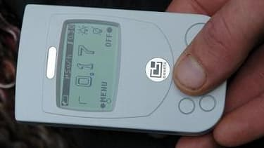 Compteur Geiger portable, en vente dans le commerce.