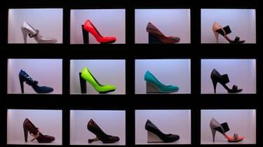 """Les employeurs philippins doivent désormais veiller à ce que leurs salariées portent """"des chaussures pratiques et confortables""""."""