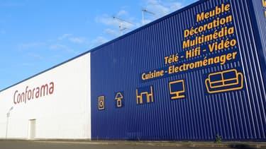 """Le service """"click and collect"""" permet aux clients de Showroomprivé d'être livrés dans les magasins Conforama."""