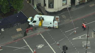 Les terroristes ont utilisé un camionnette pour faucher la foule sur le London Bridge.