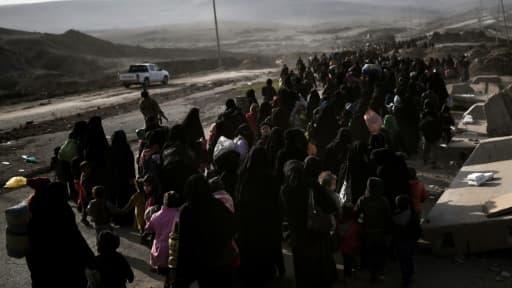 Des milliers d'Irakiens fuient les combats le 1er mars 2017 à Mossoul-Ouest