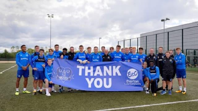 Les jeunes d'Everton ont récolté assez d'argent pour pouvoir construire une maison aux jeunes SDF