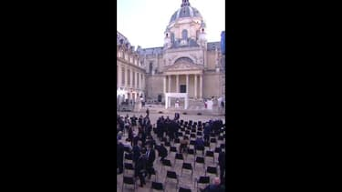 Minute par minute: dans les coulisses de l'hommage à Samuel Paty à la Sorbonne