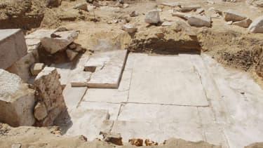Les huit sarcophages contenant chacun une momie ont été découverts dans une pyramide de la nécropole de Dahchour.