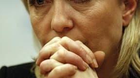 """Marine Le Pen prône la suppression du Fonds monétaire international (FMI) qui constitue, à ses yeux, """"une structure d'écrasement des peuples"""". /Photo d'archives/REUTERS/Tony Gentile"""