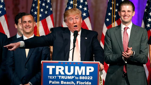 Donald Trump et son directeur de campagne, Corey, Lewandowksi (à gauche sur l'image), le 16 mars 2016.