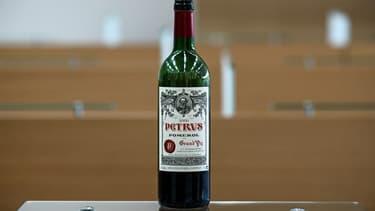 Une des bouteilles de Petrus envoyée dans l'espace