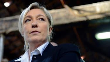 Marine Le Pen a le vent en poupe, confortée par de bons sondages.