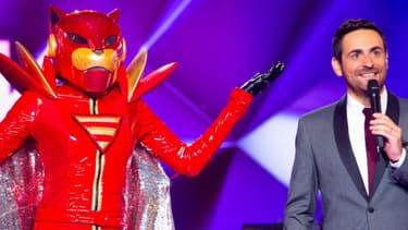"""Camille Combal aux manettes de """"Mask Singer"""", le programme de TF1, lors de la première émission, le 8 novembre 2019."""